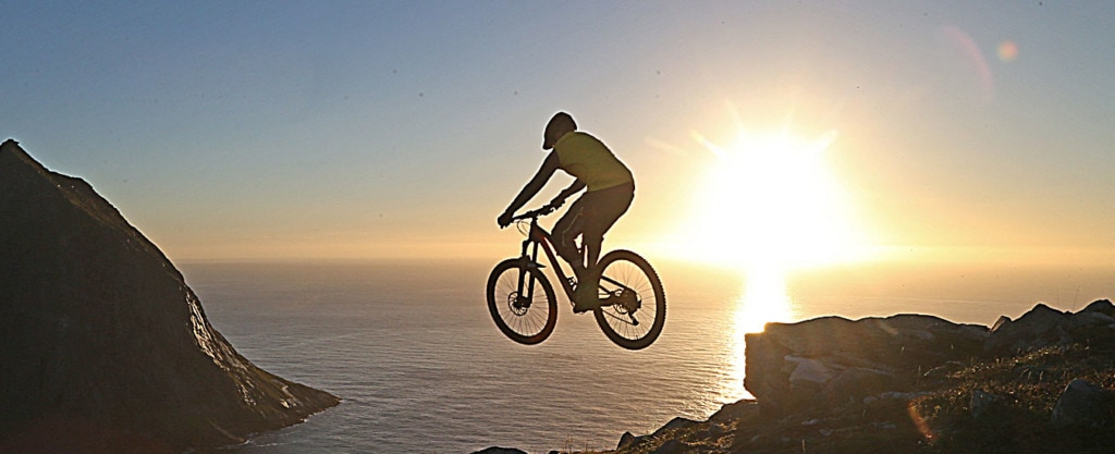 Mountainbiking from the summit of Ryten, Kvalvika Beach, Lofoten
